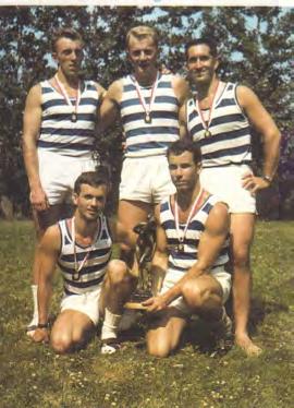 Mannschaft mit Norbert Pichler (hinten Mitte)